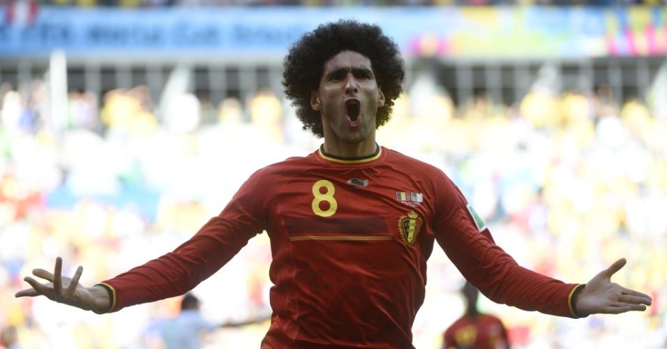 Belga Marouane Fellaini comemora gol de empate da Bélgica contra a Argélia