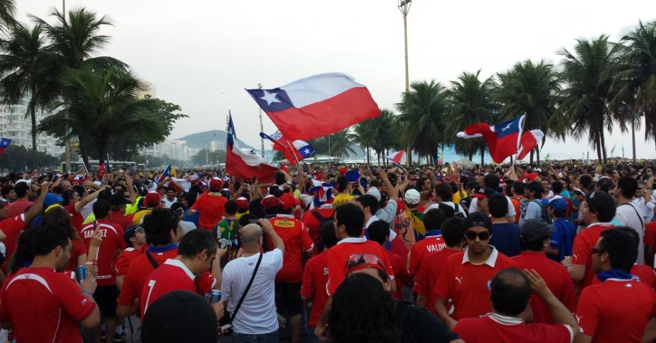 Chilenos fecham Avenida Atlântica, no Rio de Janeiro, enquanto Brasil enfrenta México