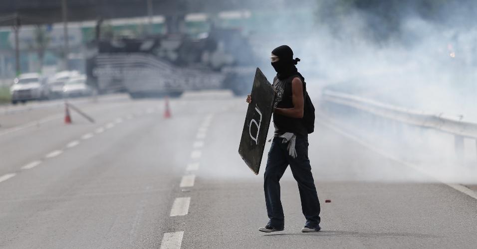 Manifestantes atacam policiais militares em Fortaleza