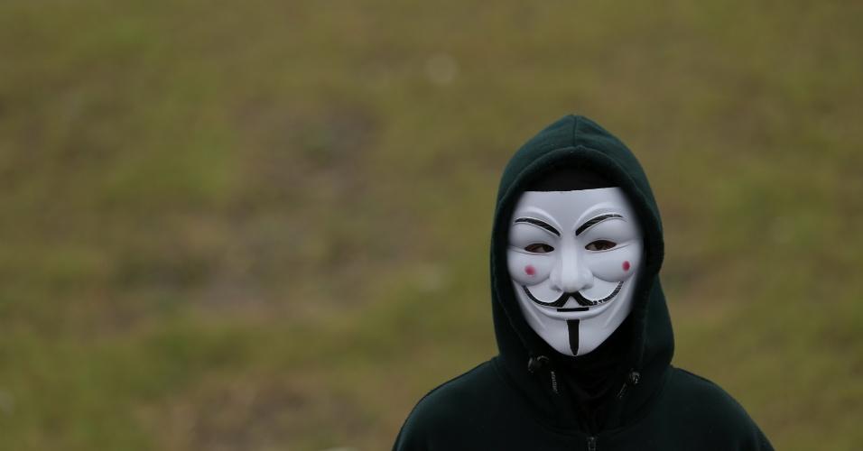 Manifestantes usaram máscara para esconder rosto em protesto em Fortaleza