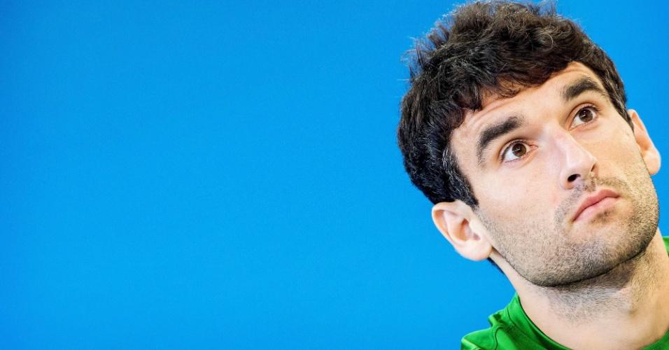 Mile Jedinak, da seleção australiana, em coletiva de imprensa no Beira Rio
