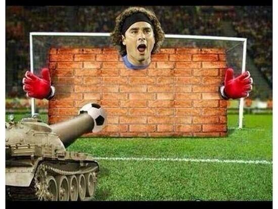 Nem tanques de guerra passariam por Ochoa hoje