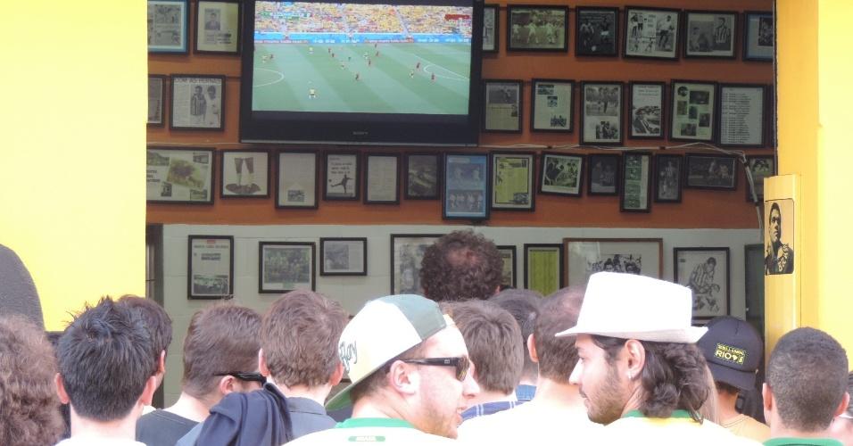 O Torto ficou lotado de clientes que assistiram ao jogo entre Brasil e México