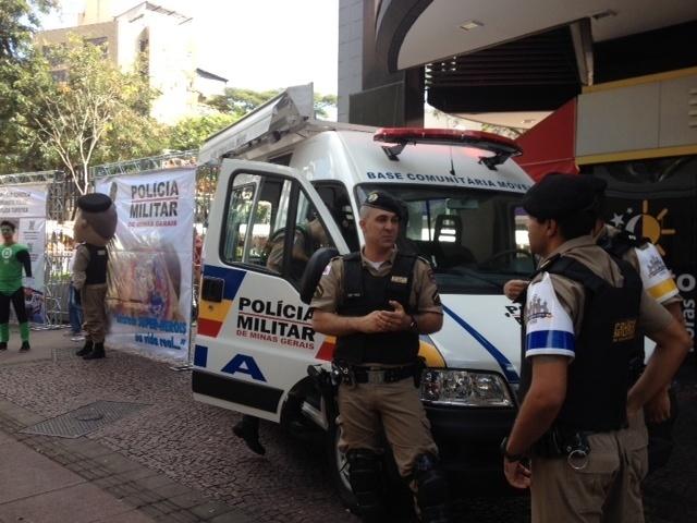 Polícia de Belo Horizonte montou sua base no mesmo local onde seria a concentração de manifestantes