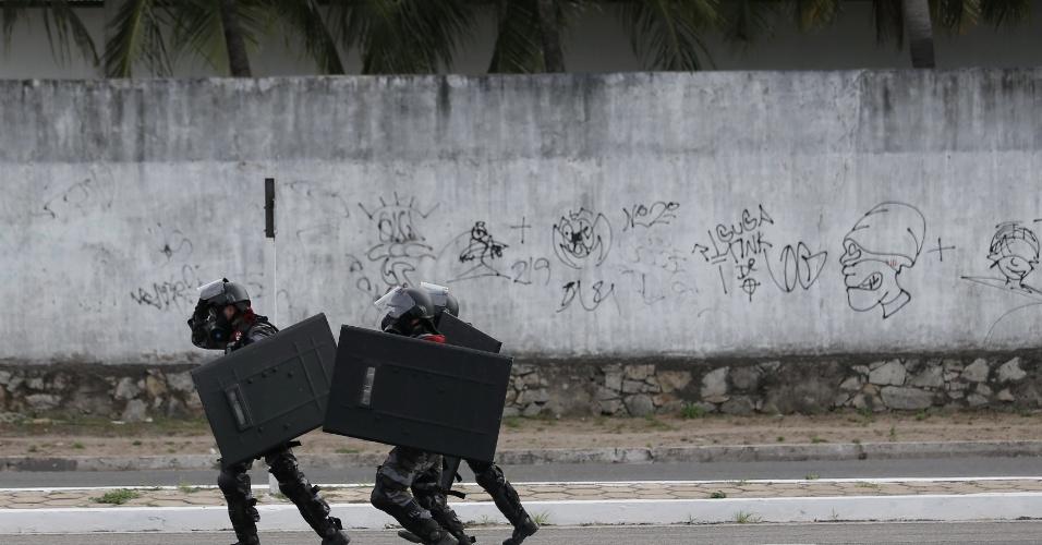 Polícia precisou reagir contra manifestantes em protesto em Fortaleza