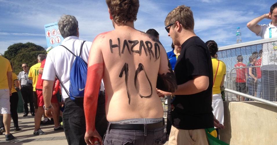 Torcedor pinta nome de ídolo Hazard a caminho do Mineirão para apoiar a Bélgica na Copa