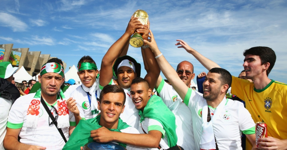Torcedores argelinos esbanjam otimismo para a estreia do país na Copa do Mundo