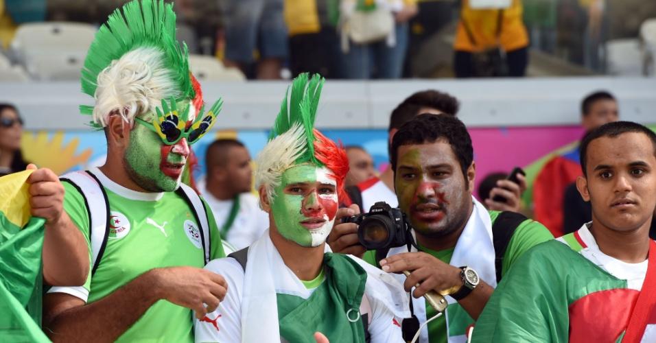 Torcedores argelinos se divertem antes da estreia do país na Copa do Mundo