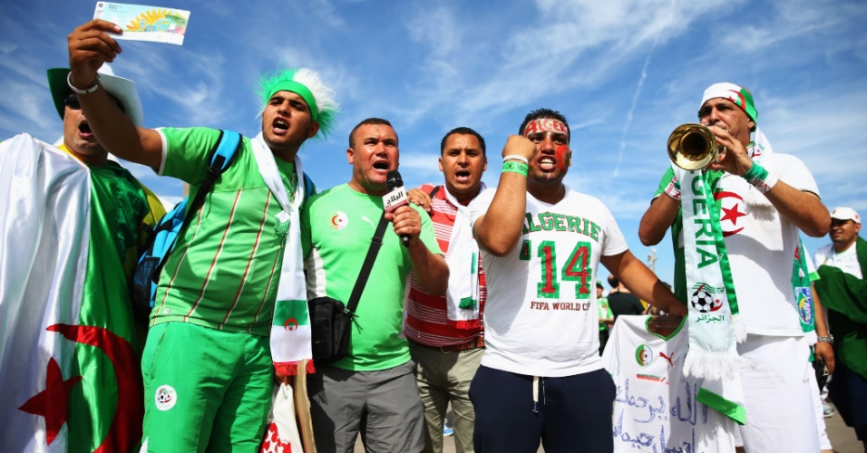 Torcedores da Argélia chegam animados ao Mineirão para estreia na Copa contra a Bélgica