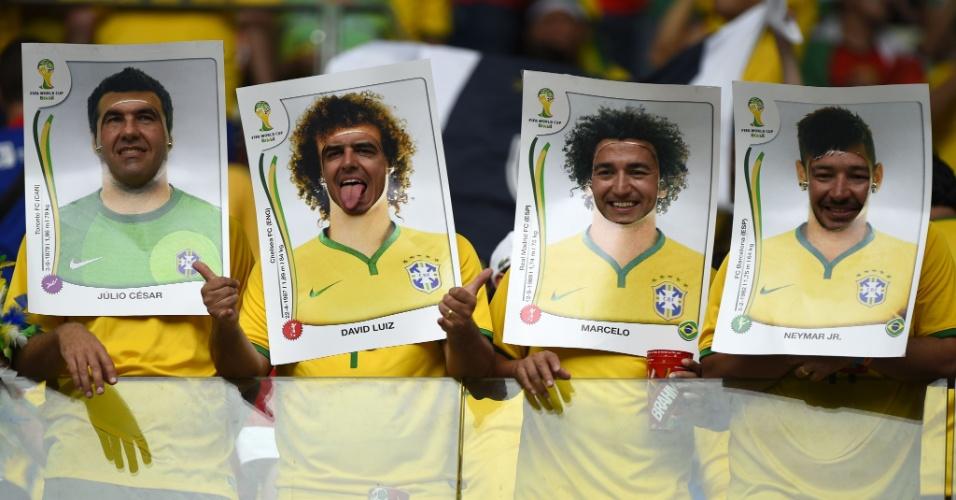 Torcida brasileira vira figurinha da Copa na arquibancada do Castelão, esquentando o clima para Brasil x México