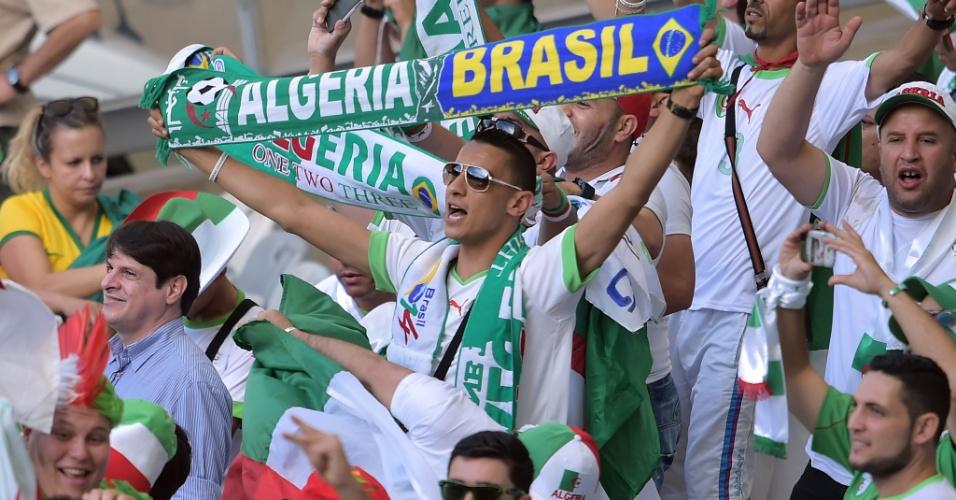 Torcida da Argélia já está no Mineirão para apoiar a seleção na estreia da Copa, contra a Bélgica