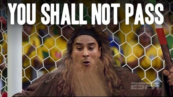 """""""Você não vai passar"""". Frase de Gandalf, do Senhor dos Anéis, caiu bem para o goleirão mexicano"""