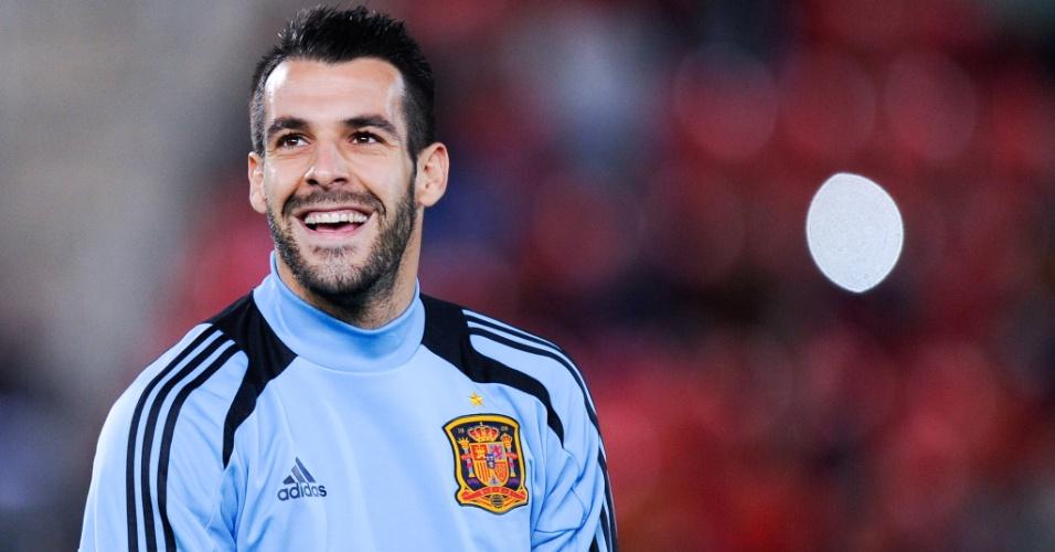 11.out.2013 - Espanhol Alvaro Negredo sorri antes de jogo entre Espanha e Belarus pelas eliminatórias da Copa do Mundo