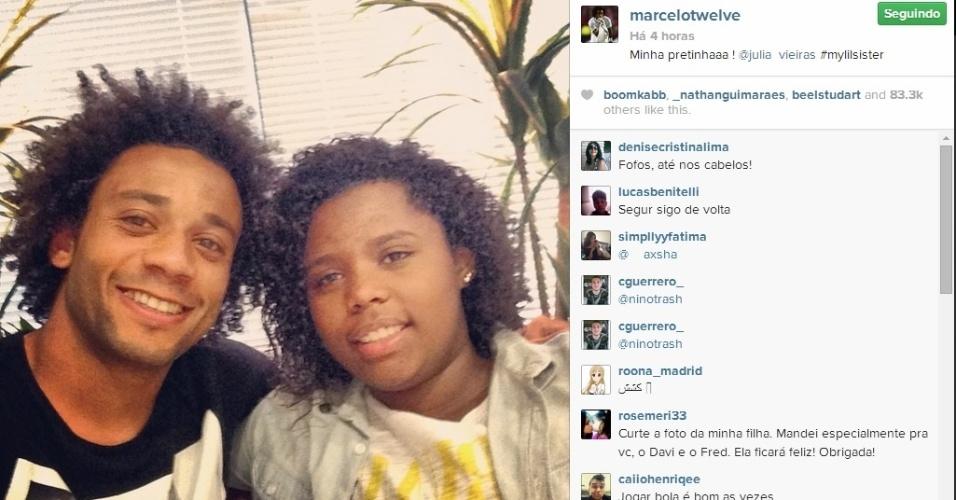 18. jun. 2014 - Marcelo curtiu a folga da seleção brasileira ao lado da irmã mais nova