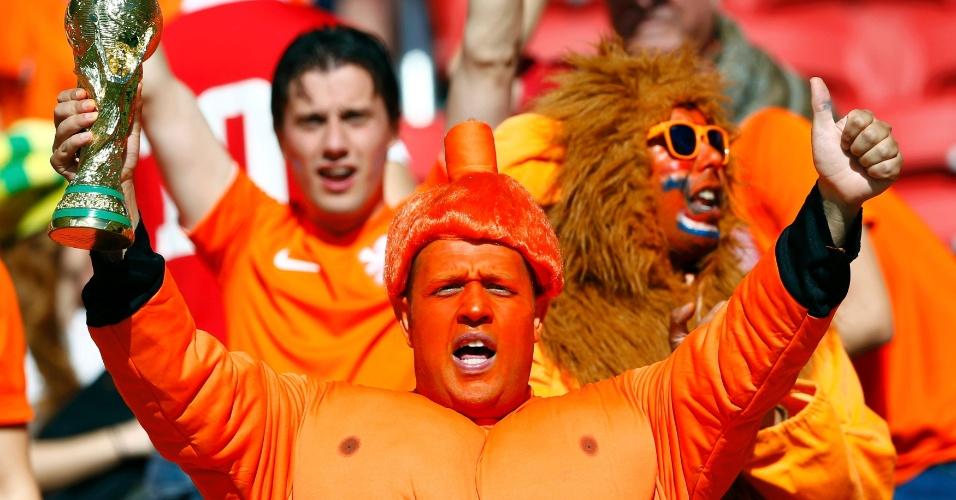 18.jun.2014 - Torcedor da Holanda mostra que o país vem com muita força rumo ao primeiro título mundial