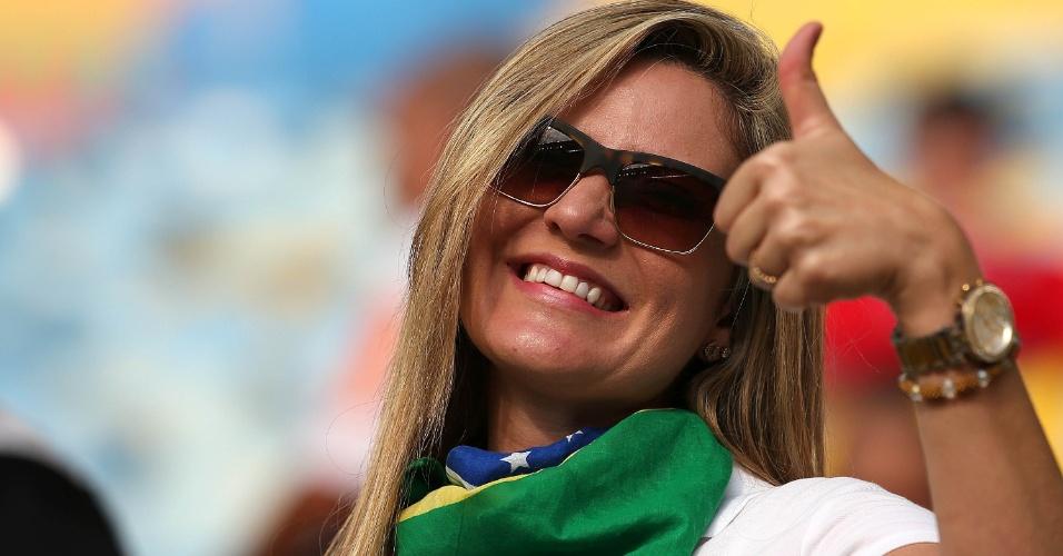 18.jun.2014 - Torcida brasileira também está presente no Maracanã