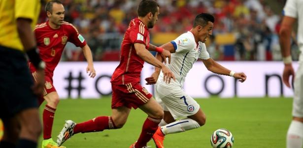Atuação diante dos espanhóis foi citada pelo capitão do time, mas treino teve teste com formação diferente