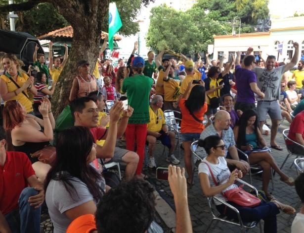 Australianos não conseguem ingressos para ver seleção em Porto Alegre e assistem jogo em Manaus