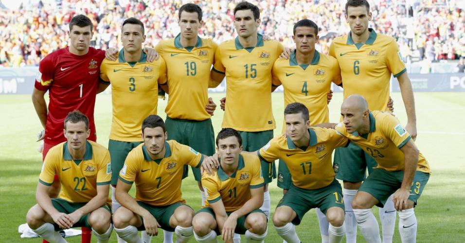 Australianos no gramado do Beira-Rio antes do início da partida contra a Holanda