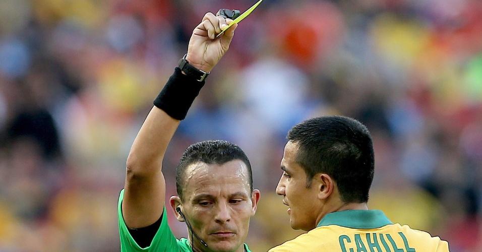 Autor do gol da Austrália, Cahill recebe cartão amarelo e está fora da próxima partida contra a Espanha