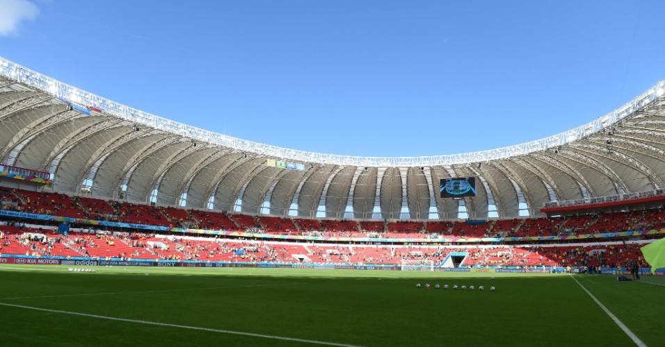 Beira-Rio aguarda o início de Holanda x Austrália pela segunda rodada