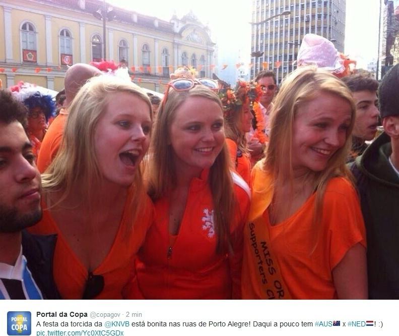 Belas torcedoras holandesas fazem festa em Porto Alegre antes da partida contra a Austrália