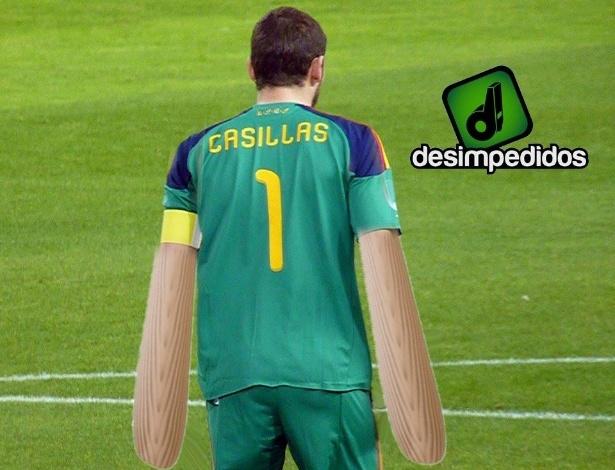 """Casillas virou o famoso goleiro """"mão de pau"""""""