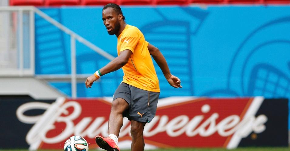 Didier Drogba treina com a seleção da Costa do Marfim no estádio Mané Garrincha
