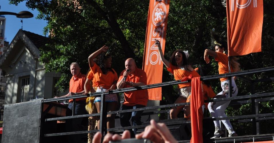 Festa holandesa em Porto Alegre tem até carro de som e belas animadoras