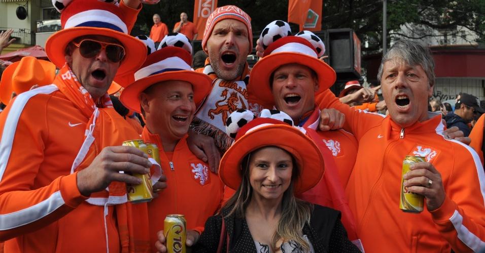 Holandeses chegam animados ao Beira-Rio para a partida contra a Austrália
