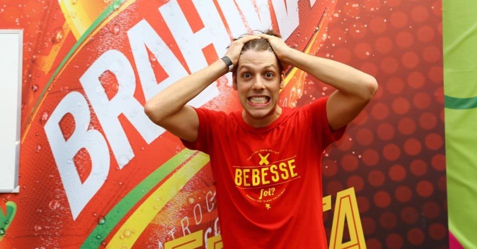 Humorista Fabio Porchat faz graça na partida entre Espanha e Chile