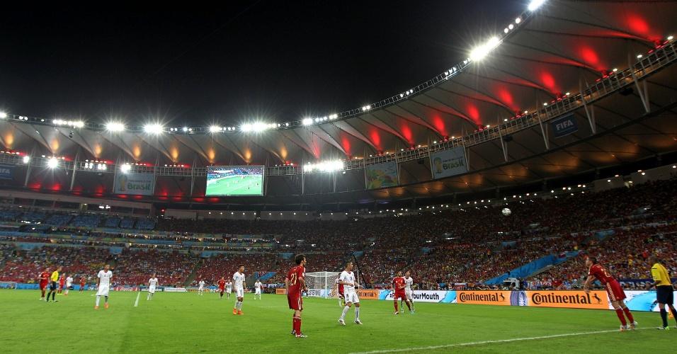 O Chile venceu a Espanha por 2 a 0 nesta quarta-feira e eliminou o rival do grupo B da Copa