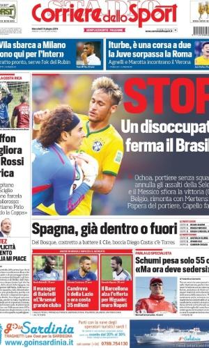 O italiano Corriere dello Sport destacou o fato de o goleiro mexicano Ochoa estar desempregado