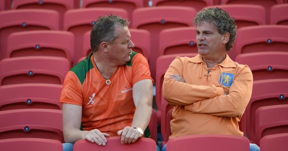 Torcedores holandeses começam a entrar no Beira-Rio para a partida contra a Austrália