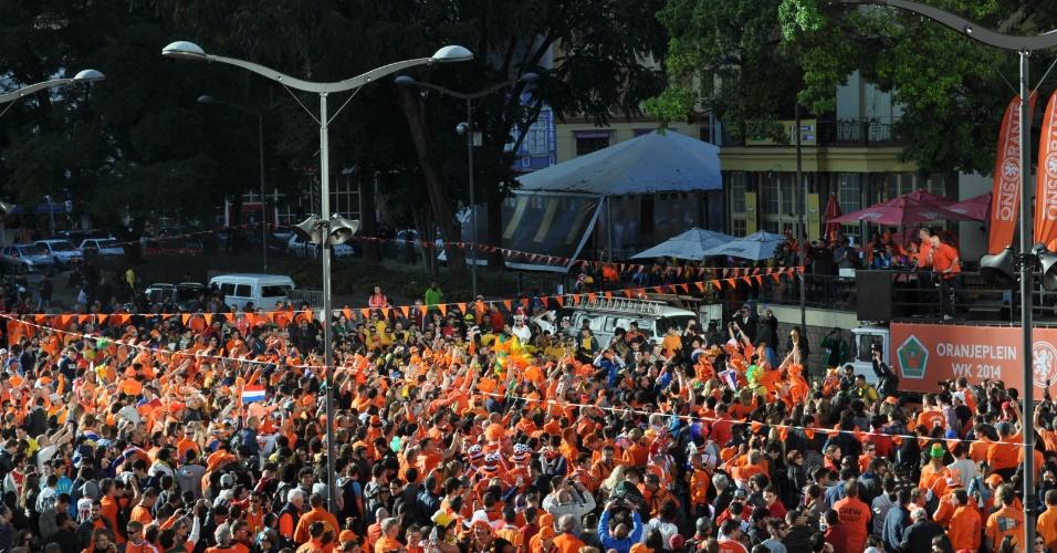 Torcedores holandeses em grande número nas ruas de Porto Alegre antes do jogo contra a Austrália
