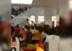 """Torcida de Gana faz """"rolezinho"""" e quebra monotonia de shopping em Natal - Reprodução"""