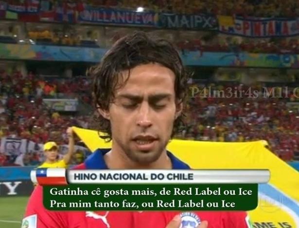 """Valdívia cantando o """"hino"""" do Chile"""