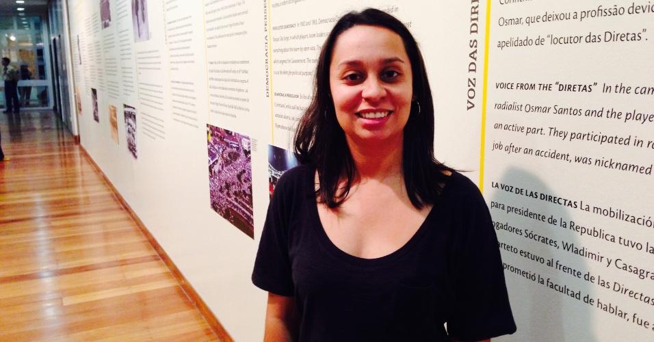 """Vanessa Gonçalves, uma das curadoras da exposição """"Política F.C. O futebol na ditadura"""", no Memorial da Resistência em São Paulo"""