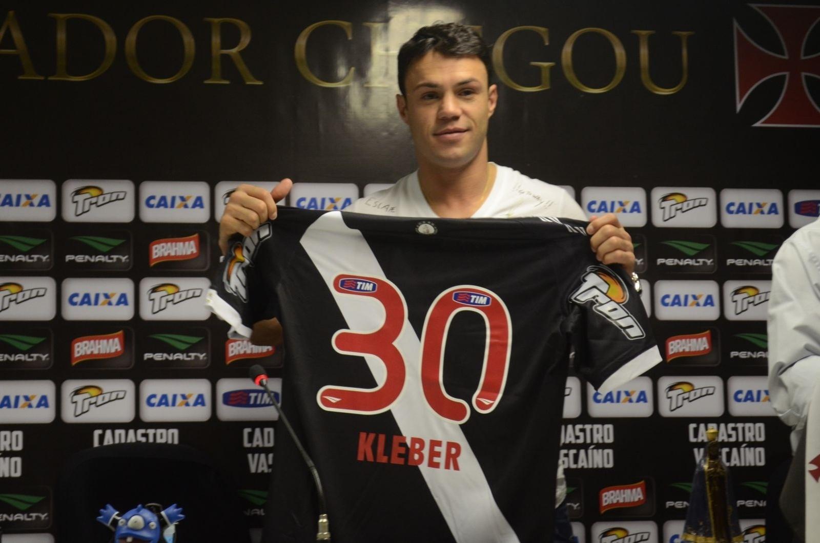 19.06.14 - O atacante Kléber foi apresentado pelo Vasco nesta quinta-feira