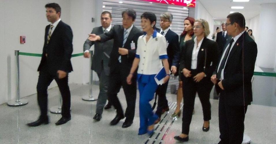 19.jun.2014 - Escoltada pela Polícia Federal do Rio Grande do Norte, a Princesa Takamado, do Japão, desembarca no RN para acompanhar o jogo entre a seleção nipônica e a Grécia, na Arena das Dunas