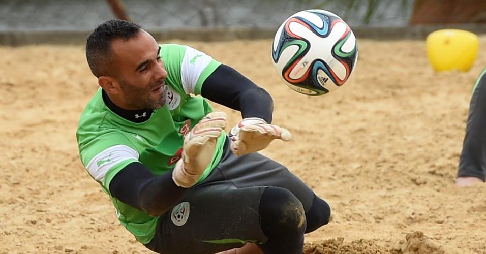 A Argélia treinou em Sorocaba e realizou atividades em caixas de areia. A equipe volta a jogar domingo, contra a Coreia do Sul