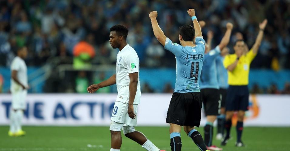 Alegria dos uruguaios contrasta com a tristeza inglesa na vitória dos sul-americanos por 2 a 1 no Itaquerão