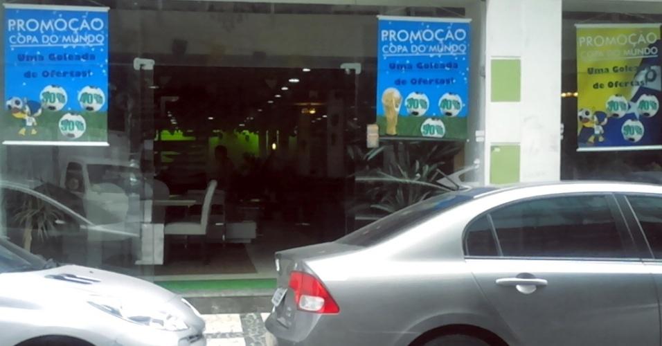 Comerciantes do Recife faturam com produtos temáticos do mascote Fuleco, da Copa do Mundo