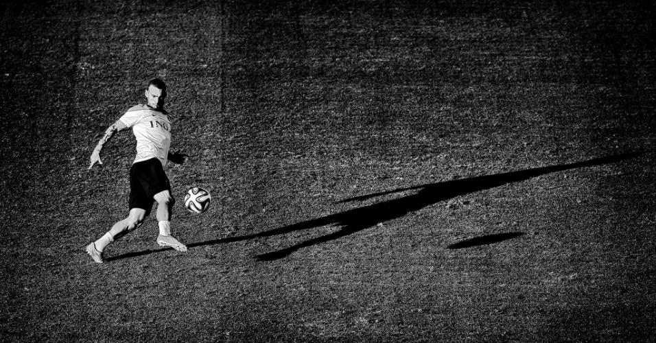 Foto de Sneijder mostra sombra do jogador durante treino da Holanda no Rio de Janeiro