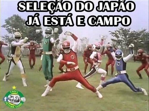 Japoneses viraram Power Rangers para a partida contra a Grécia