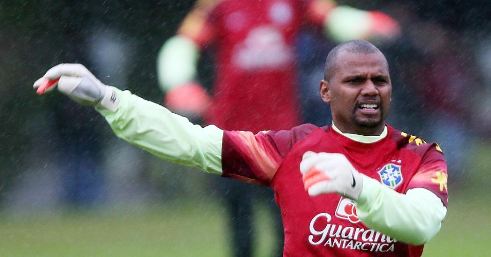 Jefferson treina após seleção brasileira se reapresentar na Granja Comary