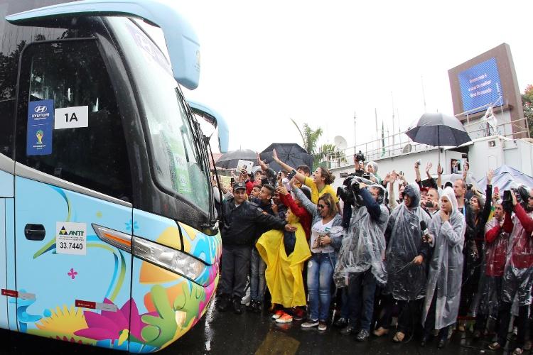 Seleção brasileira chega à Granja Comary para retomar a preparação, após o empate com o México, na terça, e a quarta-feira de folga