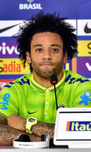 20.jun.2014 - Marcelo, lateral da seleção brasileira, participa de entrevista coletiva nesta sexta-feira