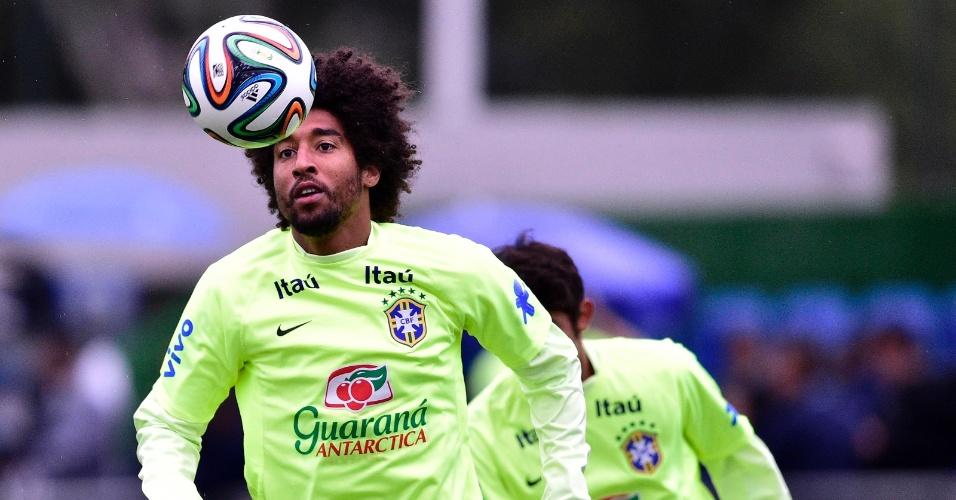 Dante participa de treinamento da seleção brasileira na Granja Comary