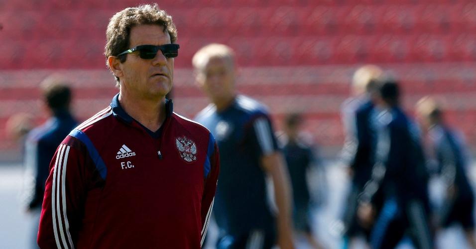 Fabio Capello, treinador da Rússia, comanda atividade da sua seleção em Itu